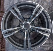 1x BMW M5