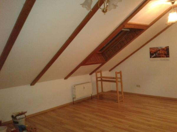 1zimmer dachgeschoss wohnung zu verkaufen in eggenstein. Black Bedroom Furniture Sets. Home Design Ideas