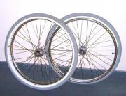 2 Rollstuhlräder 24