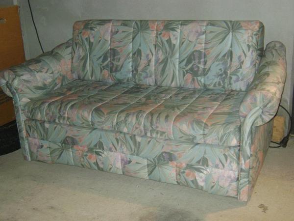 Kleines Sofa Mit Schlaffunktion Polster Niagara Couch Mit Schlaffunktion Und Bettkasten