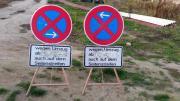 2 Verkehrsschildern zum