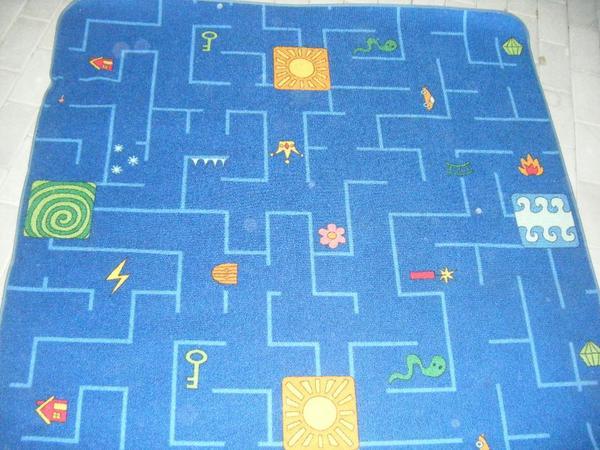 Teppiche  2 verschiedene Kinderteppiche Kinderteppich