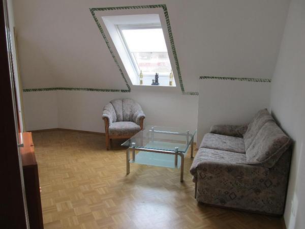 2 zimmer k che bad m bliert ausgestattet in. Black Bedroom Furniture Sets. Home Design Ideas