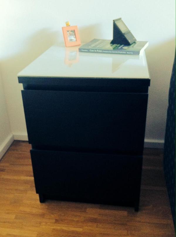 2x ikea nachttische in schwarzbraun inkl glasplatte. Black Bedroom Furniture Sets. Home Design Ideas