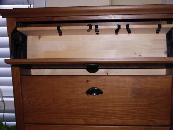 3 cd dvd regale mark r von ikea antik gebeizt in wald. Black Bedroom Furniture Sets. Home Design Ideas
