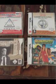 4 Nintendo Ds
