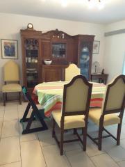 6 formschöne Esszimmerstühle, (