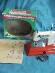 Alte Kindernähmaschine - Blechspielzeug -