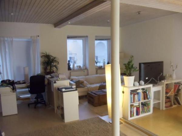 altes haus sucht junge mieter unkonventionell wohnen in loft f r paar oder single. Black Bedroom Furniture Sets. Home Design Ideas