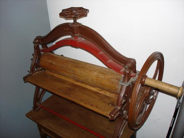 antike gusseiserne kaltmangel in m nchen sonstige antiquit ten kaufen und verkaufen ber. Black Bedroom Furniture Sets. Home Design Ideas