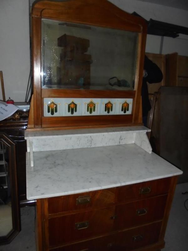 antike kommode mit marmorplatte und spiegel in pfinztal. Black Bedroom Furniture Sets. Home Design Ideas