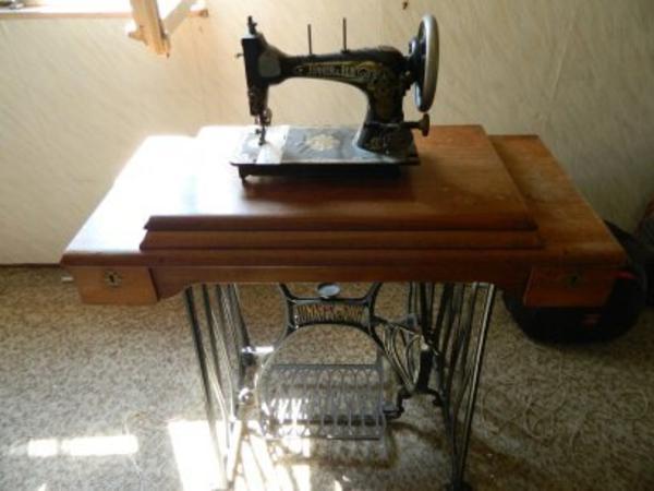 antike n hmaschine in neuhofen biete kostenlos private. Black Bedroom Furniture Sets. Home Design Ideas