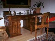 Antiker Schreibtisch mit