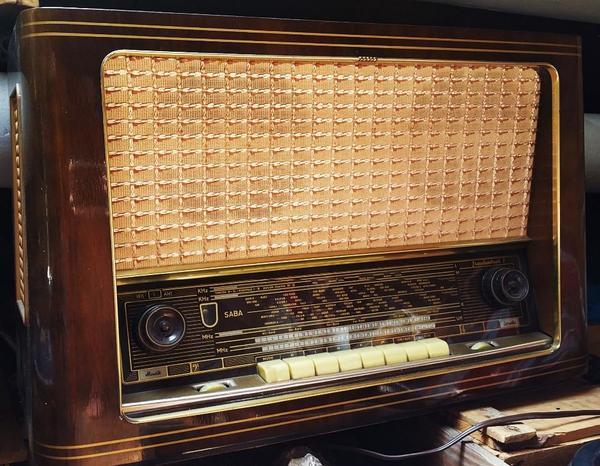 antikes radio kaufen gebraucht und g nstig. Black Bedroom Furniture Sets. Home Design Ideas