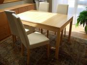 ausziehbarer Esstisch mit