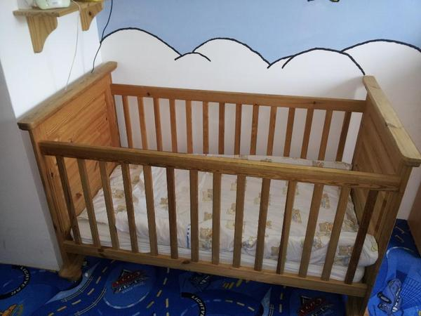 babybett gitterbett massivholz 70x140 in m nchen wiegen. Black Bedroom Furniture Sets. Home Design Ideas