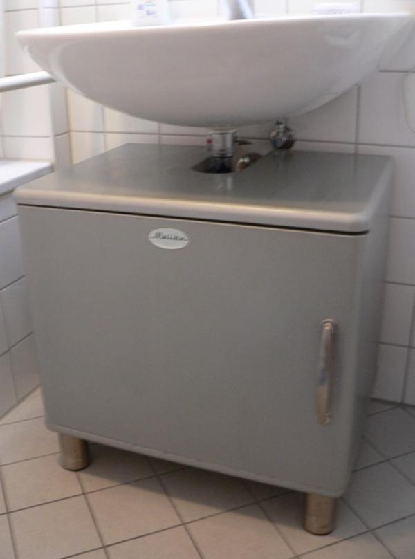 badm bel unterschrank malibu in m nchen bad einrichtung. Black Bedroom Furniture Sets. Home Design Ideas