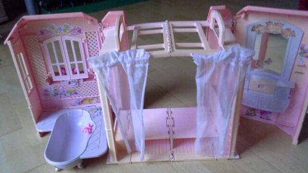 barbie h user kleinanzeigen familie haus garten. Black Bedroom Furniture Sets. Home Design Ideas