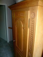 bauernschrank eiche haushalt m bel gebraucht und neu. Black Bedroom Furniture Sets. Home Design Ideas