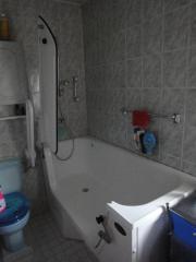 badewanne tuer haushalt m bel gebraucht und neu. Black Bedroom Furniture Sets. Home Design Ideas
