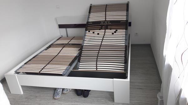 bett matratze und lattenrost in frankfurt betten kaufen und verkaufen ber private kleinanzeigen. Black Bedroom Furniture Sets. Home Design Ideas