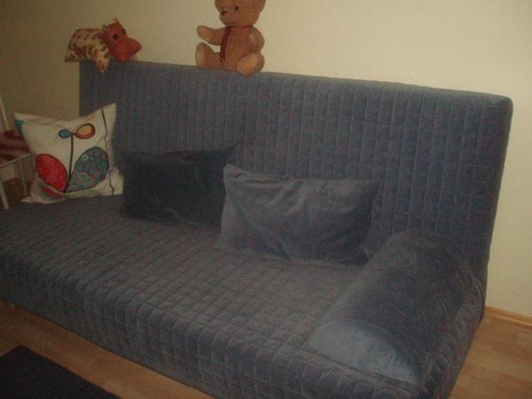 blaue ikeacouch mit bettfunktion zu vergeben in telfs. Black Bedroom Furniture Sets. Home Design Ideas