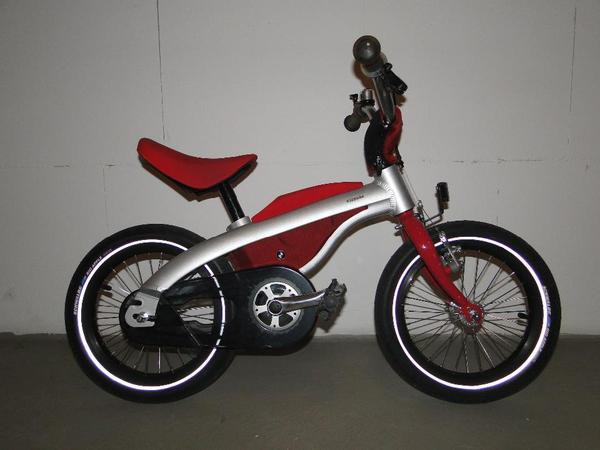 gut erhaltenes kidsbike von bmw zu verkaufen das kidsbike. Black Bedroom Furniture Sets. Home Design Ideas