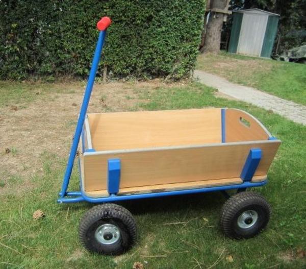bollerwagen mit einer tragkraft von bis zu 250 kg. Black Bedroom Furniture Sets. Home Design Ideas