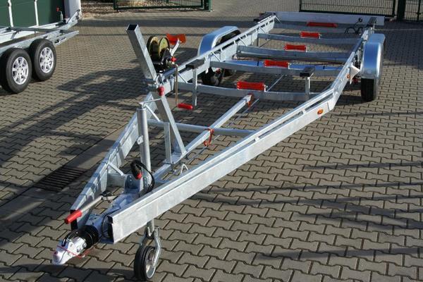 bootsanh nger bootstrailer f r motorboote 3500 kg 3 5 t. Black Bedroom Furniture Sets. Home Design Ideas