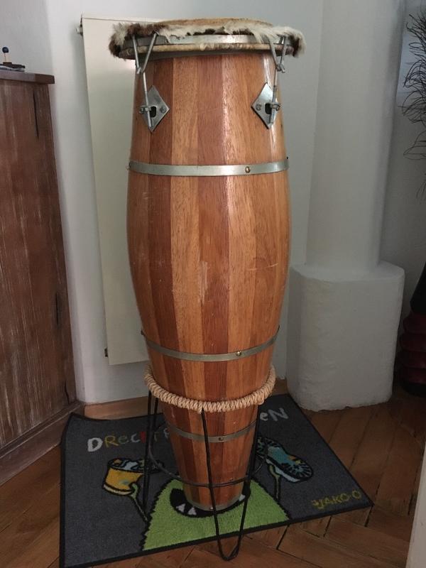 brasilianische fasstrommel atabaque aus holz in m nchen drums percussion orff kaufen und. Black Bedroom Furniture Sets. Home Design Ideas