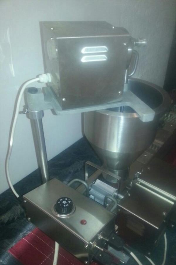 donuts maschine donuts machine in laakirchen gastronomie ladeneinrichtung kaufen und. Black Bedroom Furniture Sets. Home Design Ideas