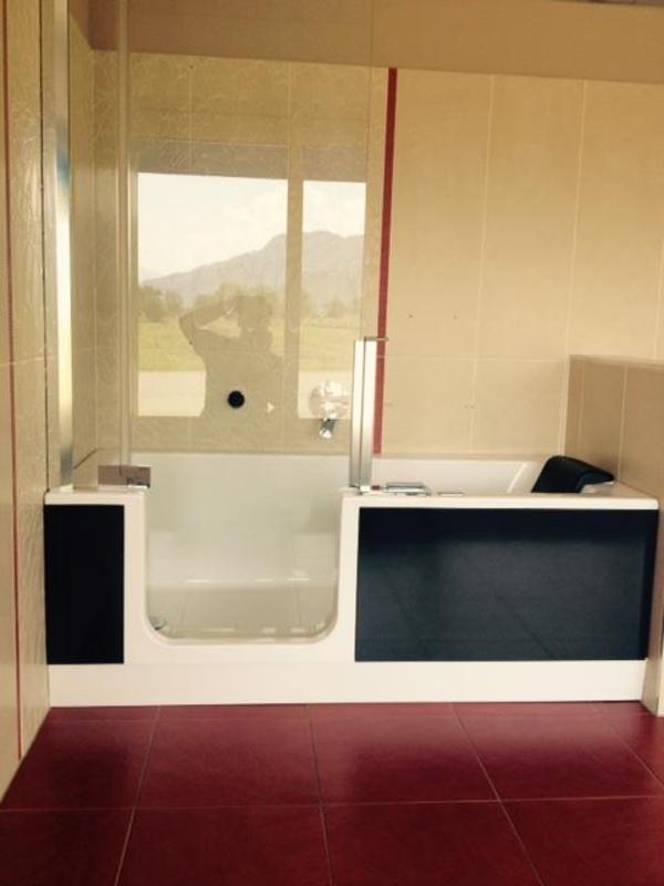 dusch badewanne twinline 2 ausstellungsst ck in gai au bad einrichtung und ger te kaufen. Black Bedroom Furniture Sets. Home Design Ideas