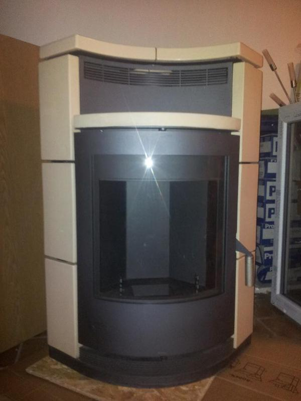 eck kaminofen von fireplace typ 39 lyon 39 keramik mit 4 5. Black Bedroom Furniture Sets. Home Design Ideas