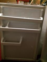 Einbaukühlschrank - mit Gefrierfach