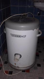 Eine Waschmashine u