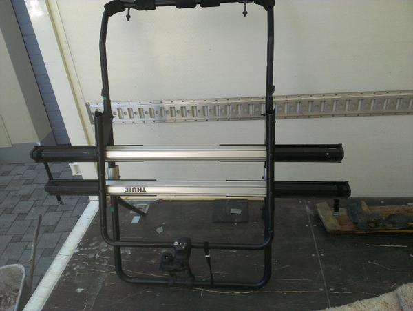 fahrradtr ger thule sweden f r pkw kombi heckklappe in. Black Bedroom Furniture Sets. Home Design Ideas