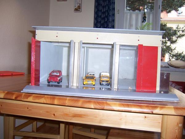 garage aus holz in dresden sonstiges kinderspielzeug kaufen und verkaufen ber private. Black Bedroom Furniture Sets. Home Design Ideas