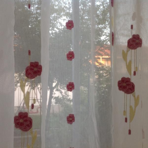 27 08 16 gardinen gardinen voile mit mohnbl tendekor aufraffung nicht. Black Bedroom Furniture Sets. Home Design Ideas