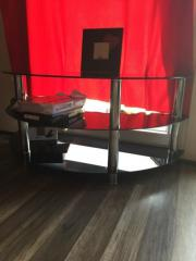 stabiler glastisch rollbarer fernsehtisch preis verhandlungssache in b blingen phono tv. Black Bedroom Furniture Sets. Home Design Ideas