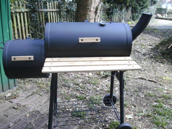 grill typ smoker nur drei mal benutzt in m nchen k chenherde grill mikrowelle kaufen und. Black Bedroom Furniture Sets. Home Design Ideas