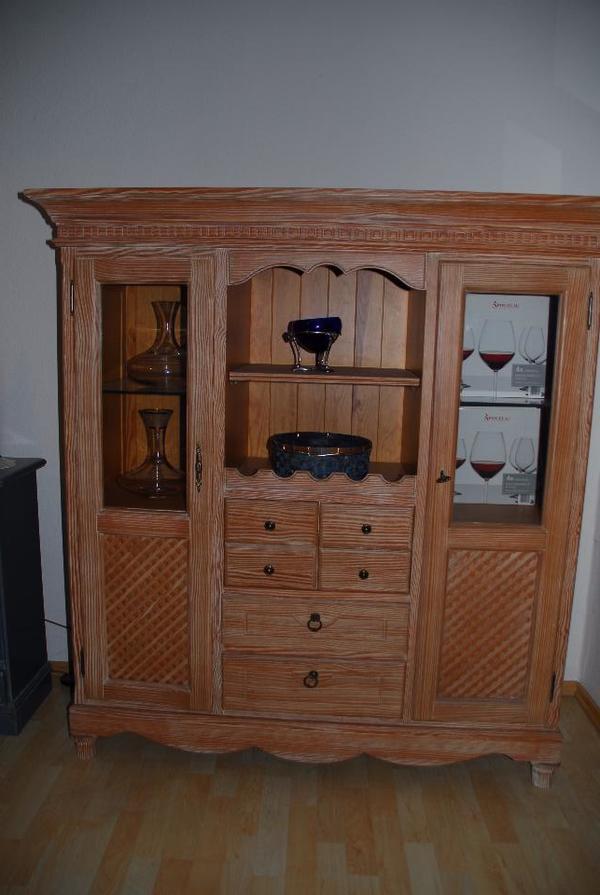 highboard geschirrschrank anrichte aus massiven pinienholz in mainburg speisezimmer. Black Bedroom Furniture Sets. Home Design Ideas