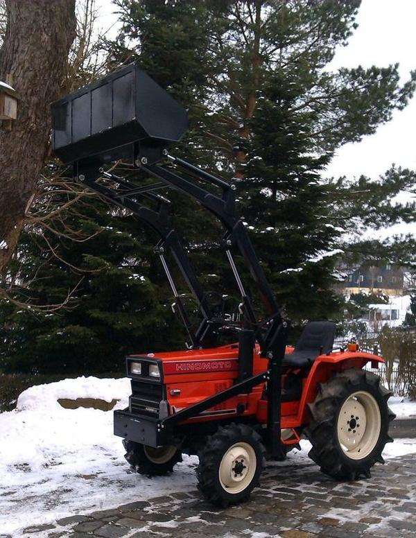 hinomoto e 2004 allrad mit frontlader traktor diesel in. Black Bedroom Furniture Sets. Home Design Ideas