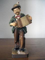Holzschnitzfigur aus Südtirol