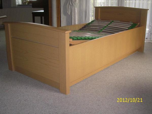 h lsta einzelbett eiche hell mit lattenrahmen und. Black Bedroom Furniture Sets. Home Design Ideas