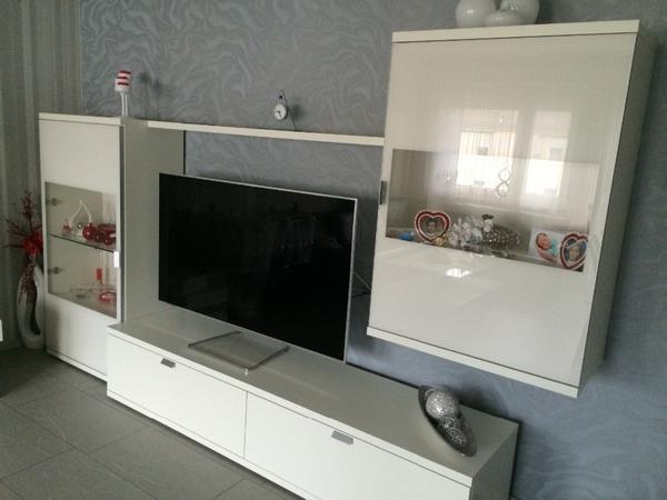 h lsta wohnwand wie neu wegen umzug zu verkaufen in. Black Bedroom Furniture Sets. Home Design Ideas
