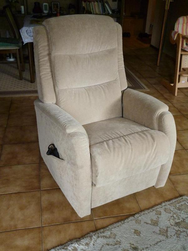 hukla ruhesessel mit aufstehhilfe in schwabach polster sessel couch kaufen und verkaufen. Black Bedroom Furniture Sets. Home Design Ideas
