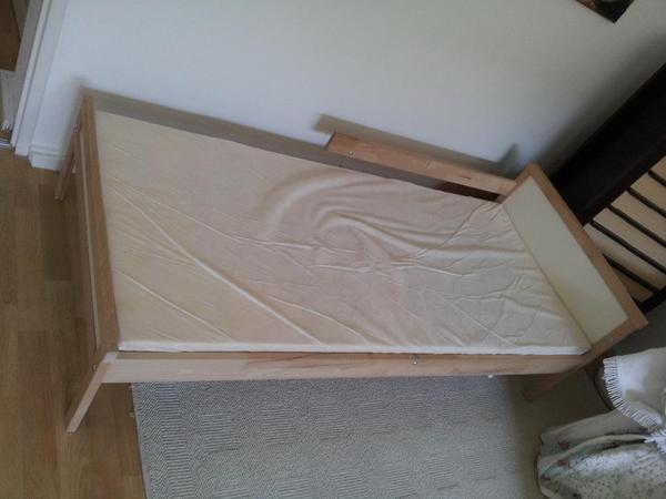 mitwachsendes kinderbett ikea erfahrung. Black Bedroom Furniture Sets. Home Design Ideas