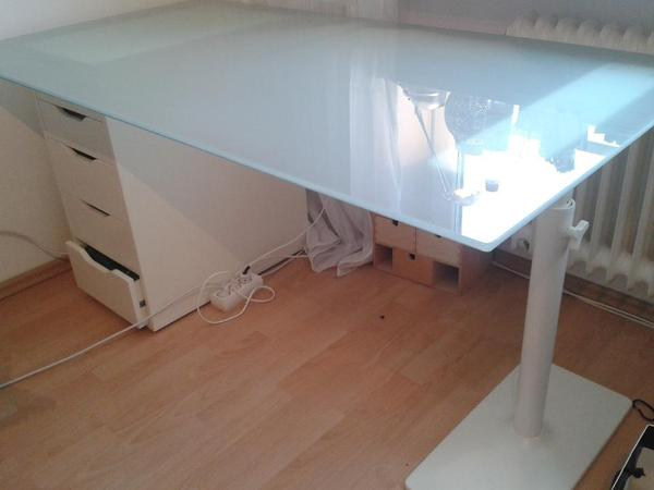 ikea tischplatte glasholm plus tischbein rechts in m nchen ikea m bel kaufen und verkaufen. Black Bedroom Furniture Sets. Home Design Ideas