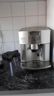 Kaffeemaschine / Kaffeevollautomat (DeLonghi)