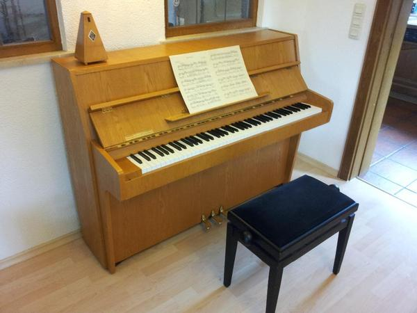 klavier kawai gebraucht sehr guter zustand in tutzing. Black Bedroom Furniture Sets. Home Design Ideas